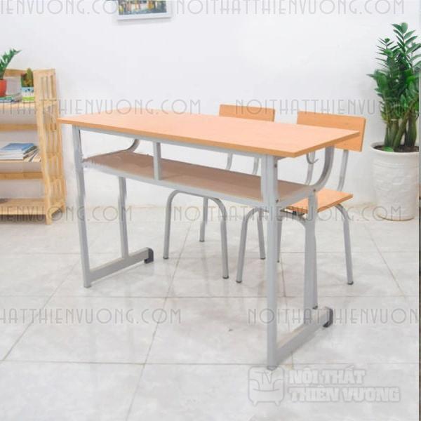 bàn học sinh rời ghế